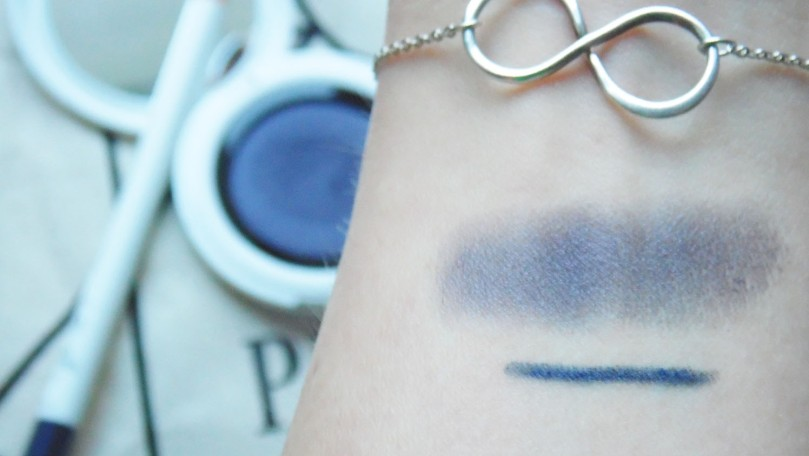 Purity Bag Und Gretel Eyeshadow Blue Granite Swatches